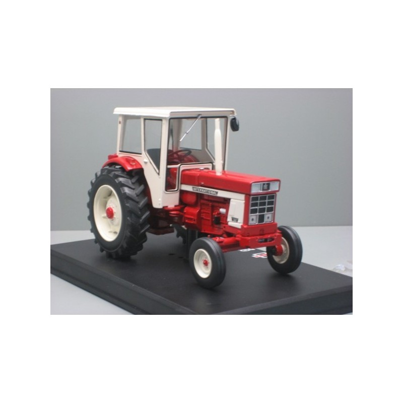 http://www.chenedol-tractor.com/4785-thickbox_default/ih-946-2-roues-motices.jpg